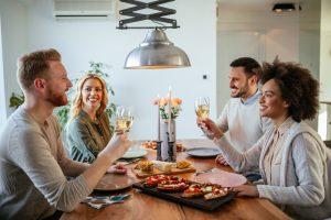 Blind-Date für Paare, oder: Wie findet man neue Freunde ab 50?