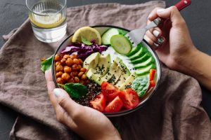 Sieben Tipps um das Gewicht während der Wechseljahre zu halten