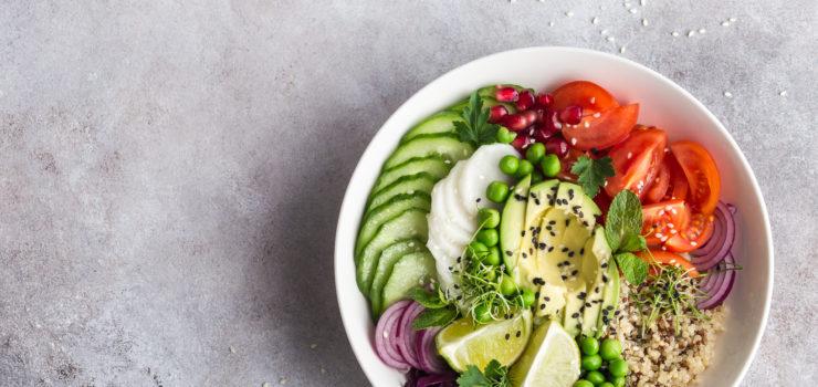 Hier sieht man eine ausgewogene Mahlzeit um Osteoporose in den Wechseljahren zu verhinden